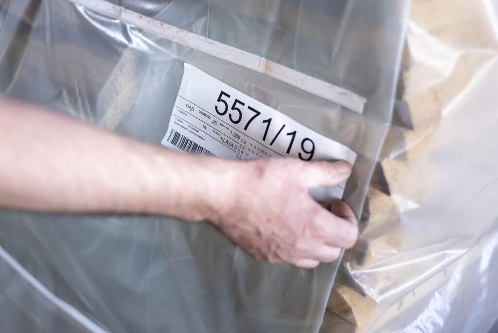 etykietowanie tarcicy